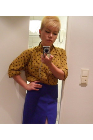 vintage blouse - Zara skirt