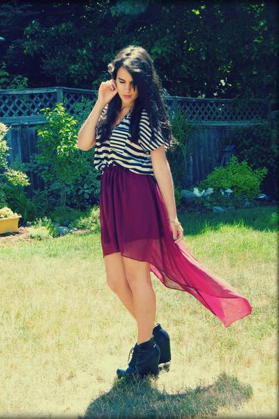 crimson romwe skirt - white winners shirt - black Call it Spring wedges