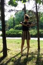 t-shirt - skirt - heels