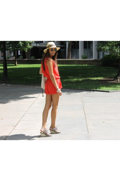 silk Rolando Santana romper - Circa Joan & David shoes - Urban Outfitters hat