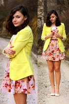 yellow AHAISHOPPING jacket - bubble gum Sheinside dress