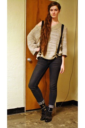 beige knit sweater - black oxfords shoes - dark gray jeans - black floral socks
