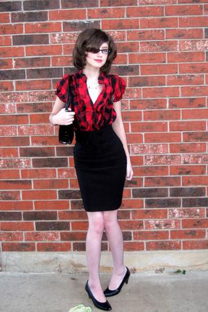 red blouse - black skirt - black shoes - black purse - white necklace - black ac
