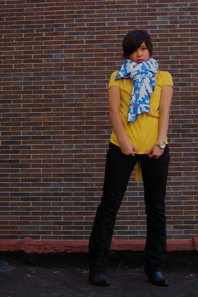 thrift scarf - thrift shirt - Lucky Brand Jeans jeans - Charlie 1 Horse shoes