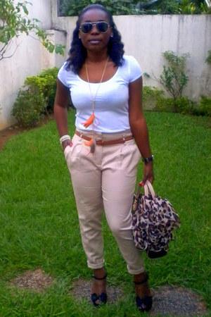 Zara pants - Louis Vuitton bag - Pimkie t-shirt - H&M necklace