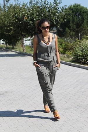 Zara heels - Springfield vest