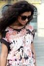 Peach-bershka-blouse-cream-stradivarius-bag-black-h-m-skirt