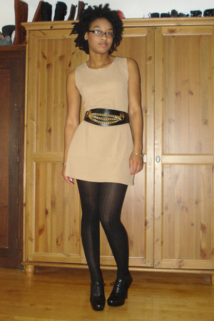 vintage dress - vintage belt - Target tights - Guess shoes