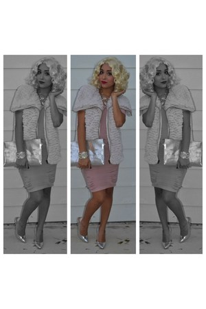 silver super comfy Shoedazzle heels