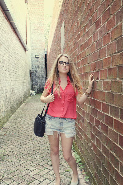 vintage Levis shorts - leather coach bag - embossed Urban Outfitters flats