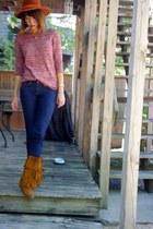 pink speckled raglan BDG sweater - tawny fringe Minnetonka boots