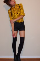 gold vintage blouse - black f21 accessories - black Serfontaine shorts - black T