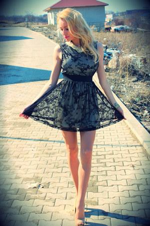 Local store dress - Bershka heels