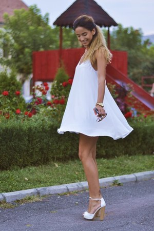 off white Sheinside dress - silver Prada bag - off white Bershka sandals