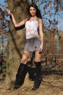 Black-boots-heather-gray-skirt-white-top