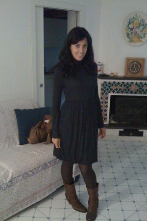Zara dress - gianna meliani shoes - Calzedonia accessories