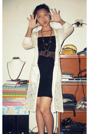 black mini dress dress - brown belt - handmade necklace - white coat
