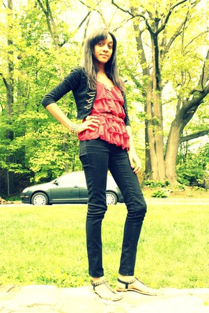 H&M jacket - Forever 21 sandals - Forever 21 pants - H&M blouse - Endless Noise