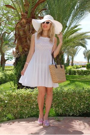 white lace vintage dress - cat eye Ebay sunglasses - asos flats