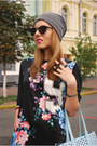 Blue-sporty-floral-oasap-dress-heather-gray-slouch-beanie-hat