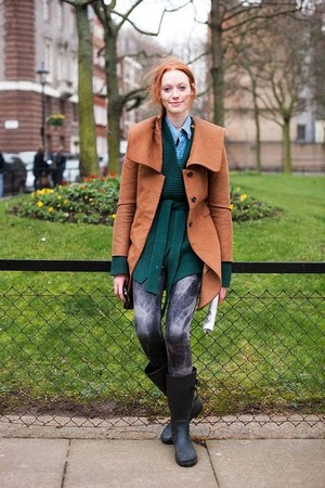 teal cardigan - black leather boots - burnt orange trench coat coat