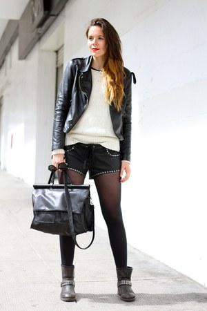 black Billabong shorts - cream H&M sweater - black Stradivarius bag