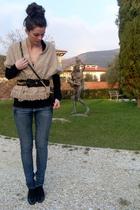 blue BERSKA jeans - black HM BASIC shirt - black hm purse - hm shoes - vintage s