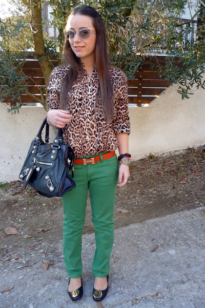 8e76be58a4e71e Zara shirt - Gucci jeans - balenciaga bag - Prada sunglasses - tory burch  flats