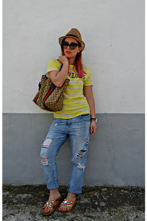 blue Zara jeans - light brown Gucci bag - black Tom Ford sunglasses