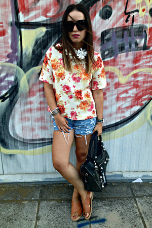 Zara top - balenciaga bag - Levis shorts - Celine sunglasses - Zara sandals