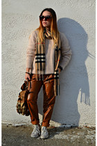 light brown Burberry scarf - light pink Massimo Dutti sweater