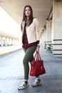 Beige-stefanel-jacket-red-stradivarius-shirt-red-baldinini-bag