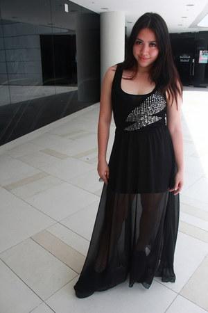 black sheer TheScarletRoom skirt - black triple sole underground england shoes