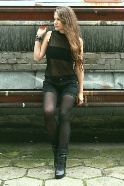 blouse - boots - shorts