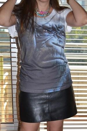 youreyeslie t-shirt - vintage skirt - fw fashion jewellery necklace