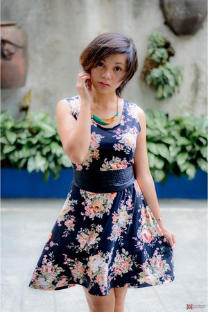 black floral dress dress