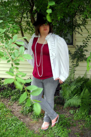 ultra-skinny Hydraulic jeans - fedora hat - beaded Old Navy sandals - lacy decre