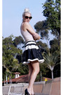Off-white-candy-shoppe-t-shirt-hot-pink-nordstrom-blazer-black-oasap-skirt