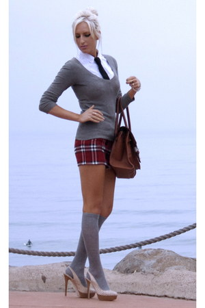 red plaid mini unknown brand skirt - charcoal gray H&amp;M sweater
