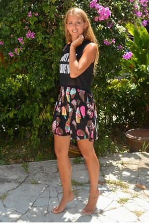 black icecream skirt
