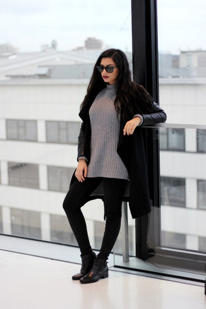 charcoal gray oversized Newchic sweater - black Zara coat