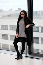 charcoal gray oversized Newchic sweater - black Zara coat