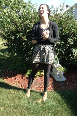 Target tights - sam edelman boots - Urban Outfitters shorts - Target top