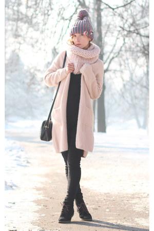 light pink H&M scarf - heather gray Robert Sever hat