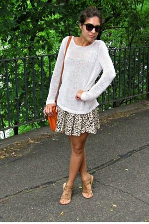 Goodwill sweater - H&M dress - Fossil bag - Karen Walker sunglasses - Zara flats