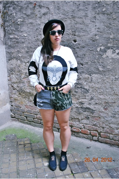 boy Sheinside sweatshirt - denimrippedcamo DIY shorts - h&m divided socks