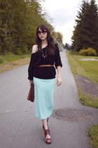 Elastic-skirt