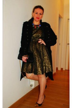 black military coat Mango coat - gold Zara necklace
