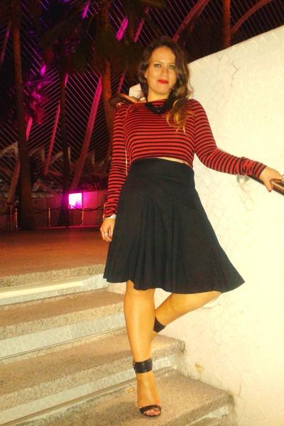 black vintage skirt - red Zara top
