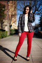 red jeans - black blazer